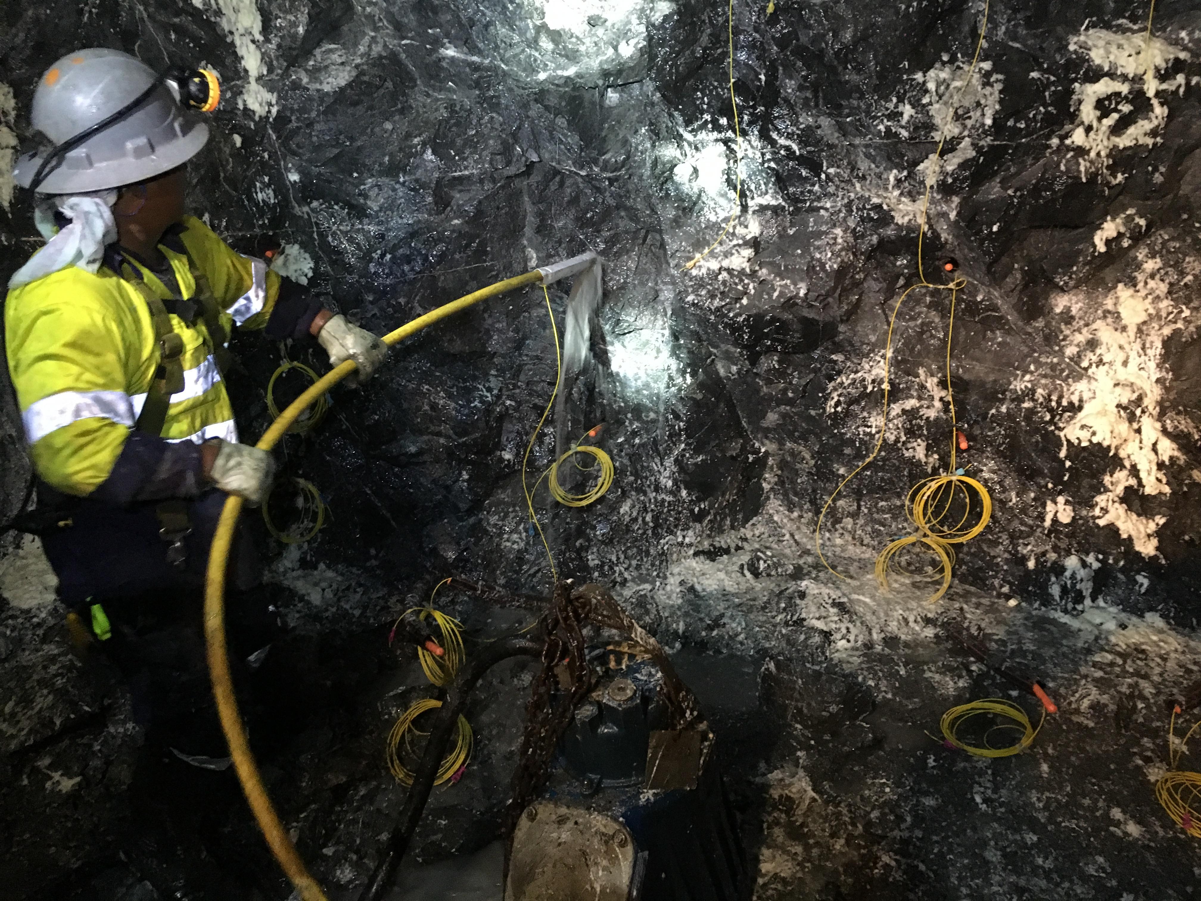 onderground mining balsting